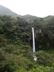 A pit stop at the Machay Waterfall